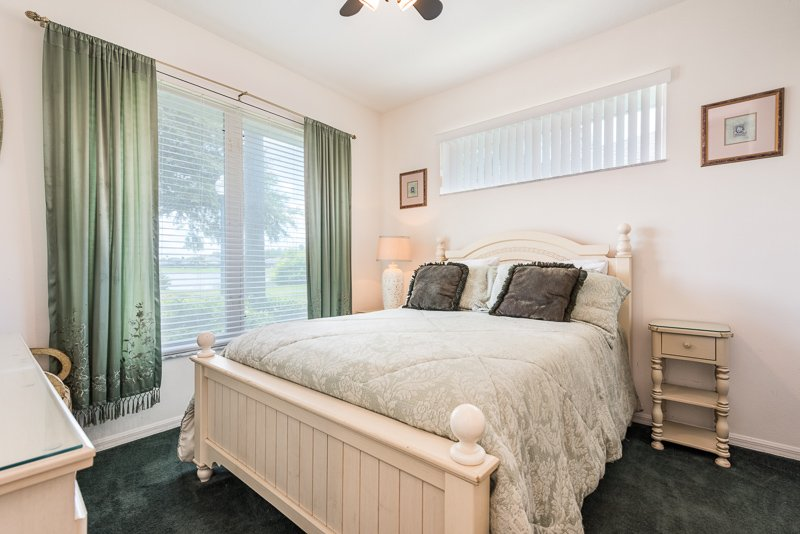 Queen Bedroom with Lake View